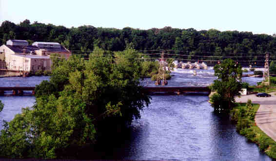 A dam along the Fox River,