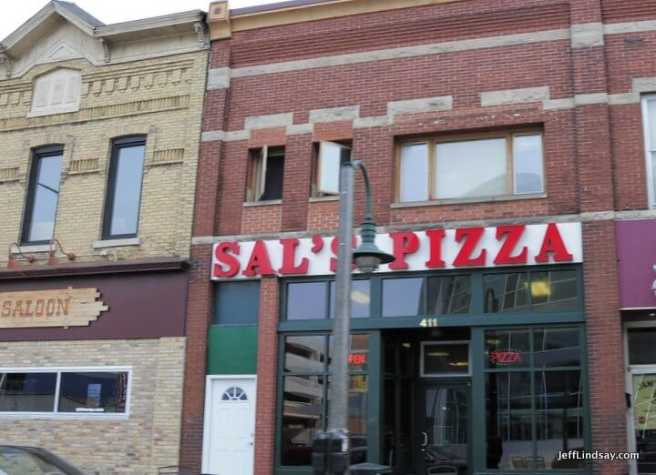 Appleton, WI pizza: Sal's