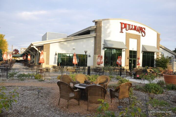 Appleton, WI restaurants: Pullmans